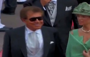 Mr. and Mrs. Steve Wynn walk the red carpet at the Monaco Royal Wedding