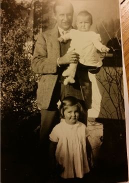 Henry Leigh Hunt with daughters Elena (standing) and Alexandra. circa 1930 | Alexandra Leigh-Hunt Collection